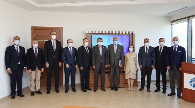 Türkiye İşveren Sendikaları Konfederasyonu (TİSK)Mikrocerrahi ve Rekonstrüksiyon Vakfı...
