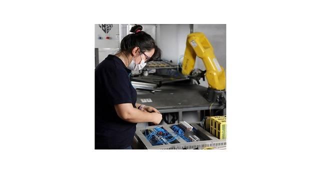 İşsizlikten korkan gençler otomasyon eğitimine yöneldi!